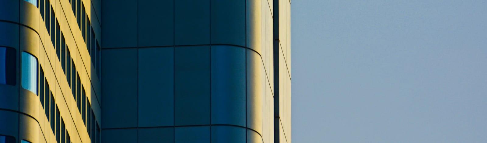 Hochhausfassade Fenster Marketingabteilung